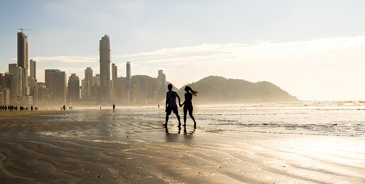 Casal viajando pelo brasil