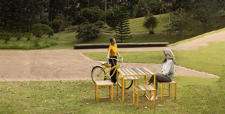 Uma fotografia da praça Vinicius de Moraes revitalizada pela Tegra Incorporadora