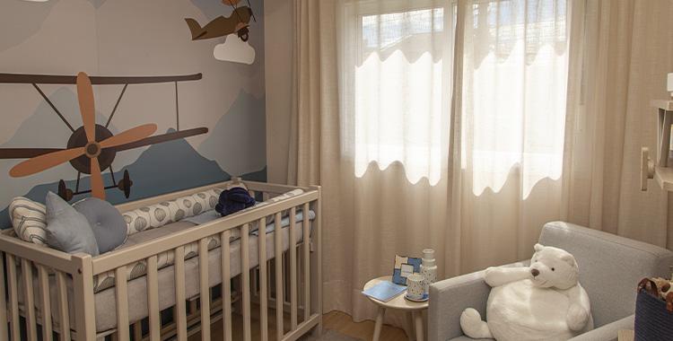 Uma fotografia com um papel de parede no apartamento decorado do TEG Vila Carrão.