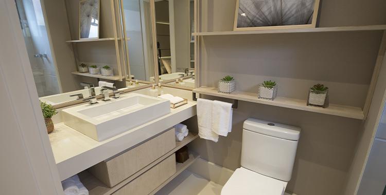 Uma fotografia que ilustra um banheiro decorado.