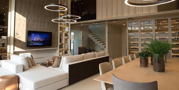 luminárias pendentes na sala de estar