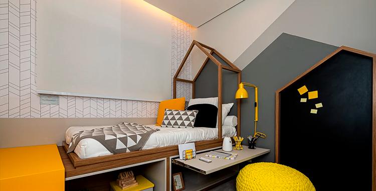 Uma fotografia que ilustra uma pintura geométrica de um quarto.