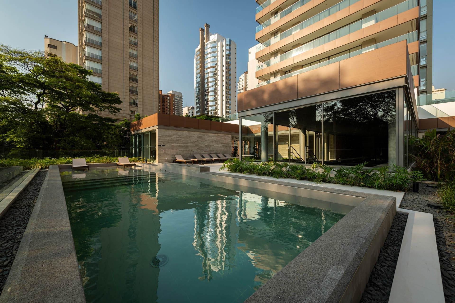 Foto da piscina descoberta